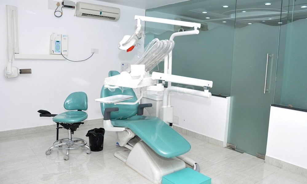 Dr Pooja Sachdeva - MR Dental Centre